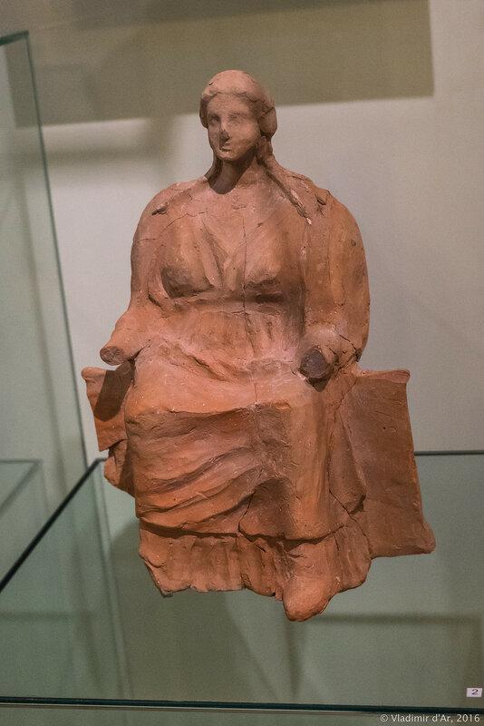 Сидящая богиня. III в. до н.э.