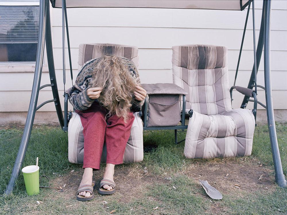 Фотограф снимает свою мать, болеющую шизофренией