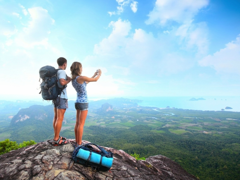Вопрос: Зачем нужно путешествовать? Ответ простой...