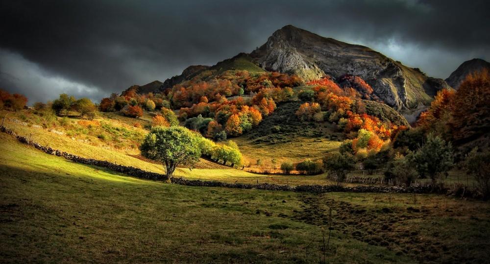 © Amador  Тихий домик уозера, Северная Италия