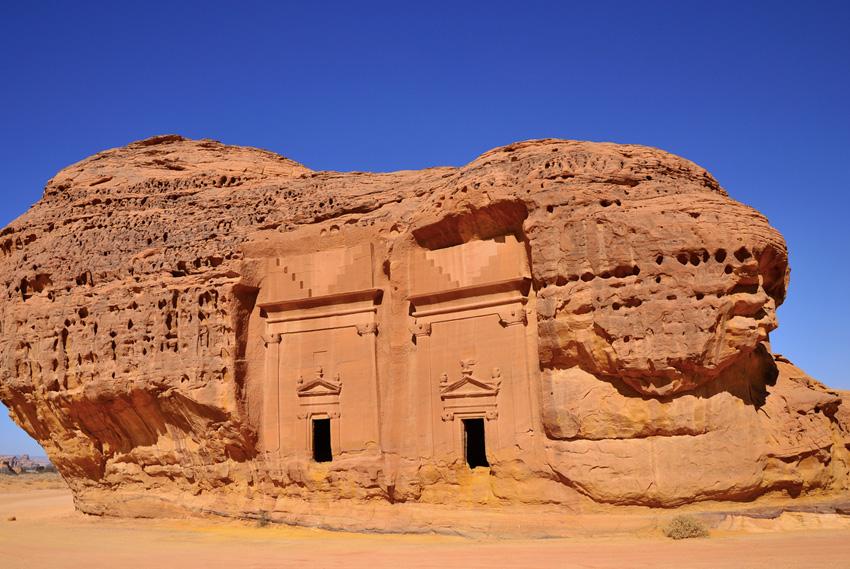 2. Мадаин Салих, Саудовская Аравия Этот комплекс археологических построек в Хиджазе, состоящий из 11
