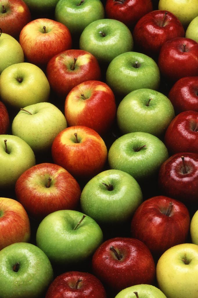 Яблоки. Плод содержит витамины А, B1, B2, B5, B6, B9, С, Е, Н, К, РР а также микроэлементы — ван