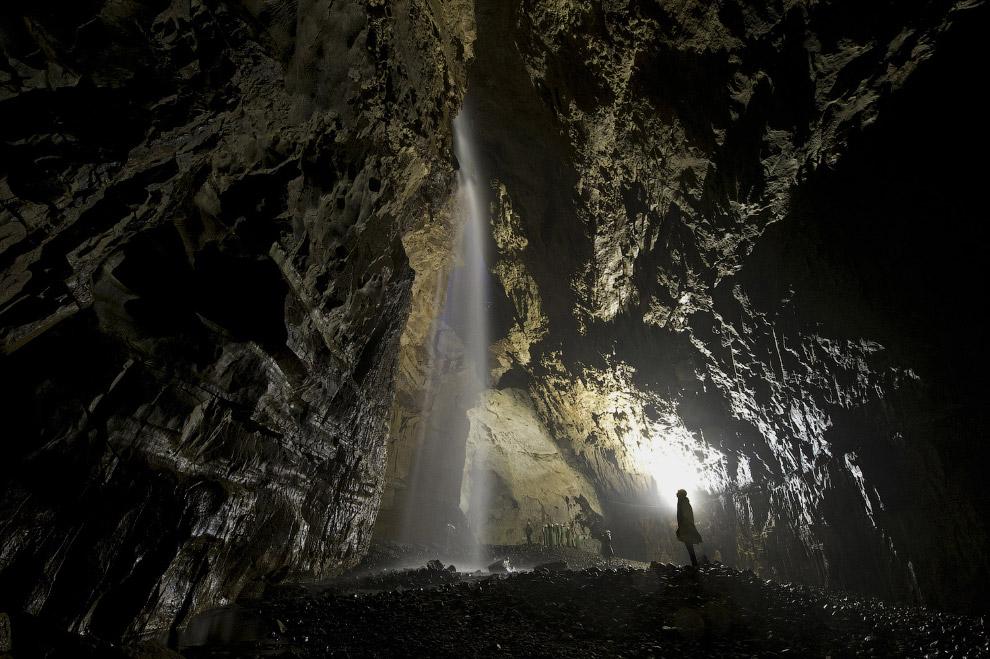 15. Подземный туннель Бэйхай расположен на тайваньском острове Нанган. Туннель когда-то был час