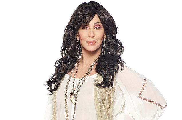 Удивительно, но певица и актриса Шер, которая помимо своего творчества знаменита любовью к пластичес