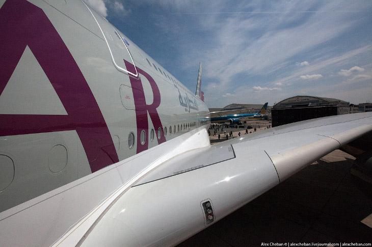 2. В салоне A380 Qatar Airways 517 мест, из них 8 — Первый класс, 48 — Бизнес-класс, 461 — Эконом-кл