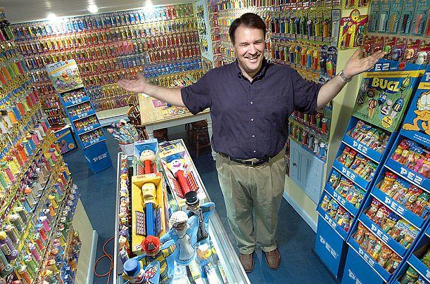 Фермер Генрих Кэт хвастается своей коллекцией из 20000 пивных кружек.