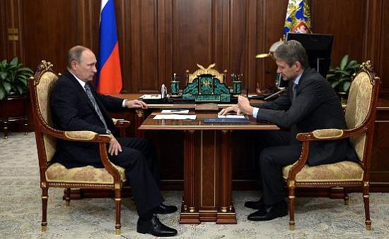 Путин призвал удерживать экспорт из-за снижения цен назерно