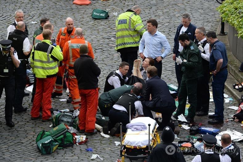 Теракт встолице Англии: депутат пытался спасти раненого офицера