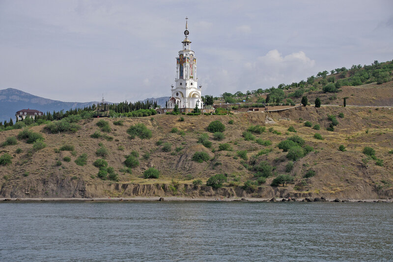 Храм-маяк Св. Николая Мирликийского