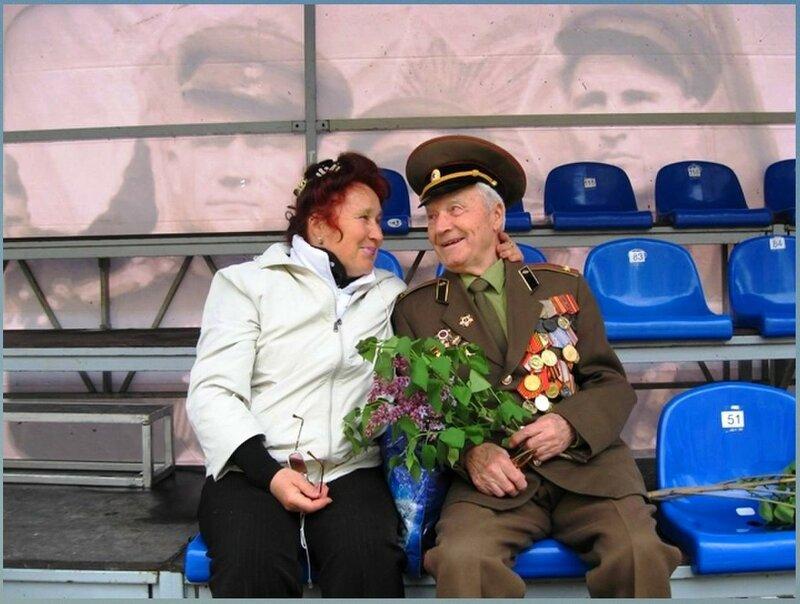 День Победы г. Астрахань. Я с Папочкой 2015г.Фотография Л.Гондарь.jpg