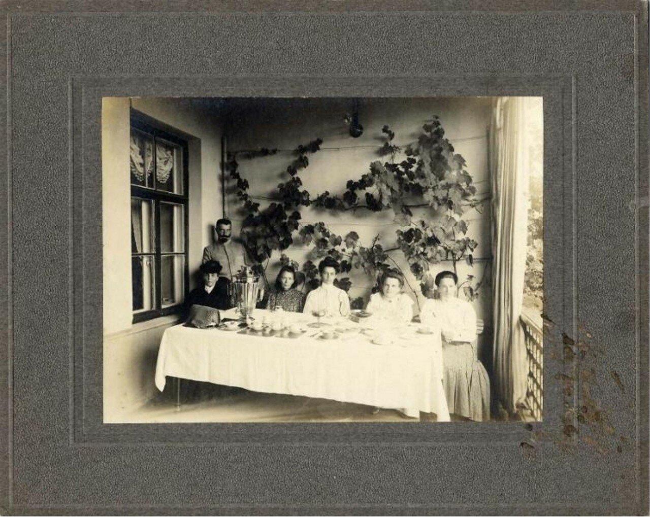 1900-е. Чаепитие на веранде