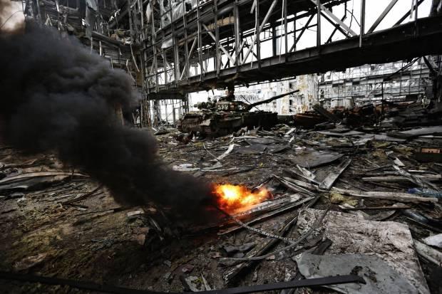 """""""Пойти на """"мир"""" на условиях Путина - значит забыть Саур-Могилу, Иловайск и """"парад"""" пленных, ДАП и Дебальцево. Предать павших и обесчестить выживших"""", - журналист"""
