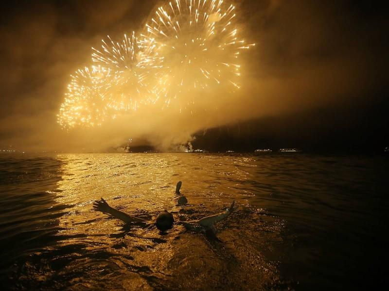 4. В этом году Дейвон Стейплз из штата Мэн, празднуя с друзьями День независимости США и находясь по