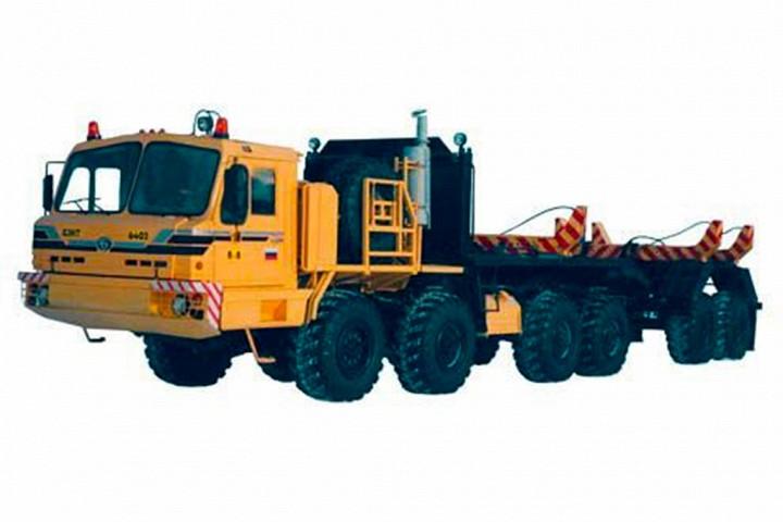 БАЗ-6403 Седельный тягач высокой проходимости, предназначенный для буксировки полуприцепов по дорога
