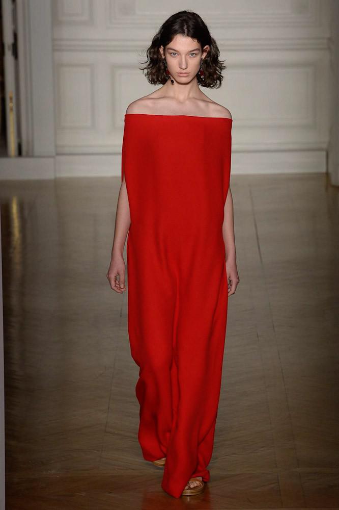 Неделя высокой моды в Париже: Valentino весна 2017 (31 фото)