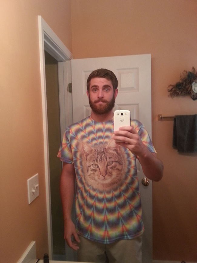 © reddit.com  Бабуля считает, что это подходящее одеяло для молодого человека 24лет отроду,