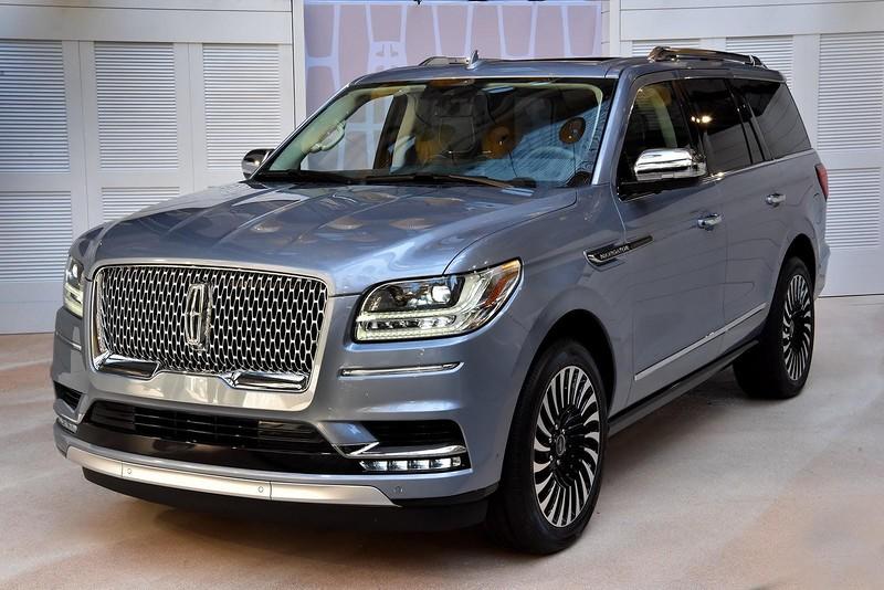 Cовершенно новый и очень роскошный Lincoln Navigator (26 фото)