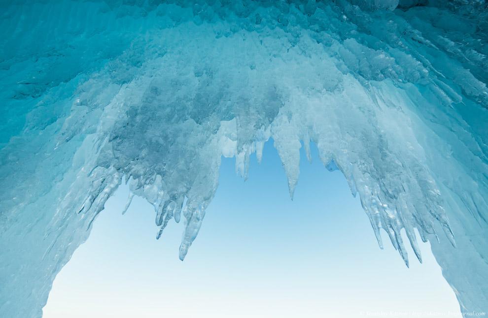 7. Лед настолько прозрачен, насколько это можно себе представить. Говорят, что существует проек