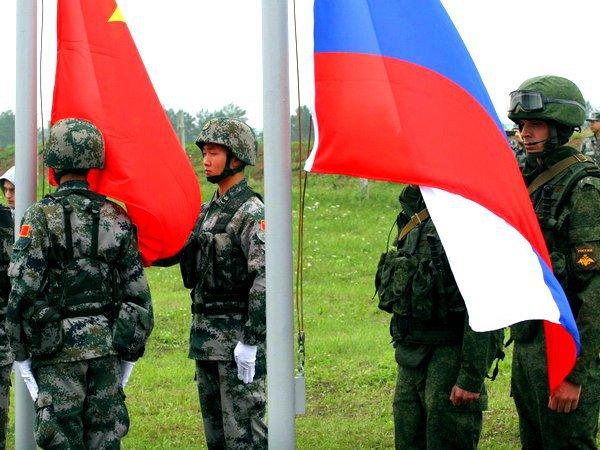 Морпехи изРФ и Китайская народная республика под прикрытием танков уничтожили «террористов»