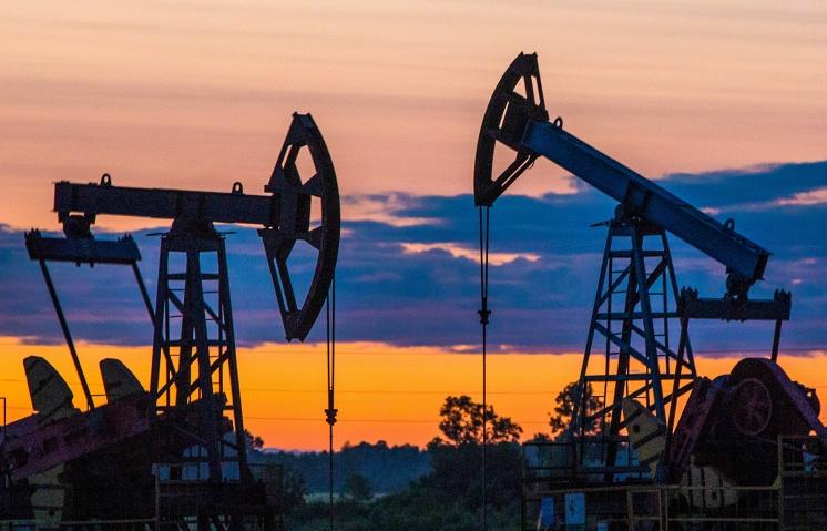 Нефть выросла вцене на данных о стремительном уменьшении запасов вСША