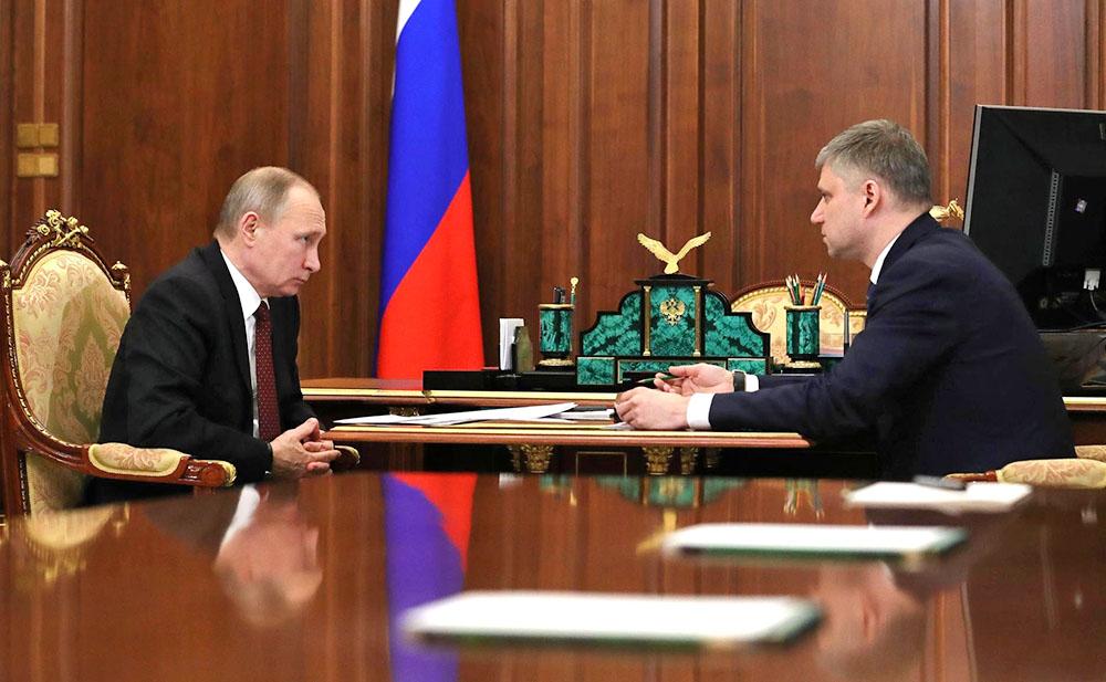 Владимир Путин похвалил РЖД зарост производительности труда