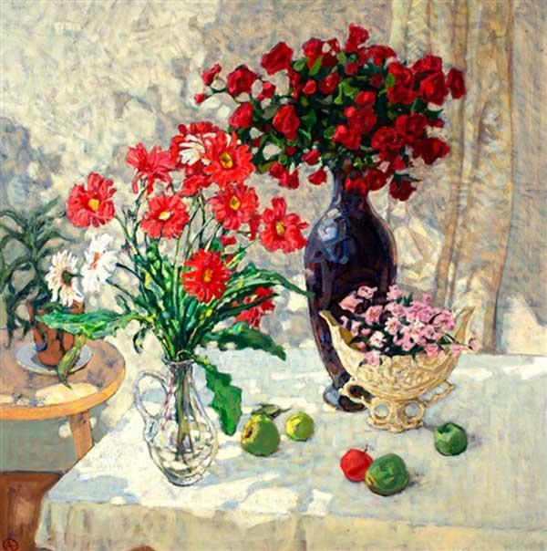 alexander-tioutrine-interieur-met-zomerse-bloemen-op-tafel.jpg