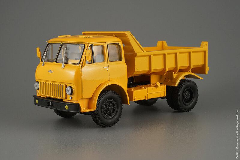 МАЗ-503Б-01.jpg