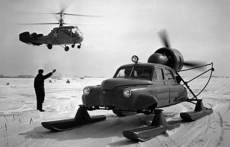 571602 Вертолет Ка–15 и аэросани _Север-2_ на базе автомобиля ГАЗ–М–20 _Победа_, 1959 год, Тушино, Москва...jpg