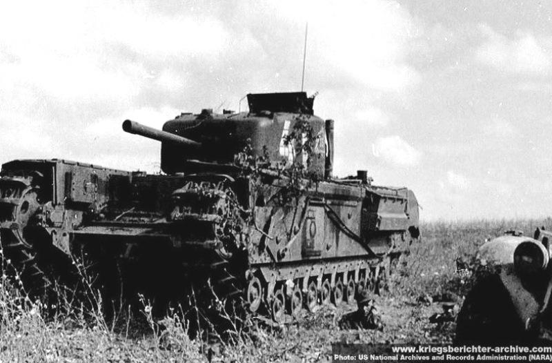 Подбитый танк Churchill IV из 36-го гв.ттп. Район Прохоровки, июль 1943 года.