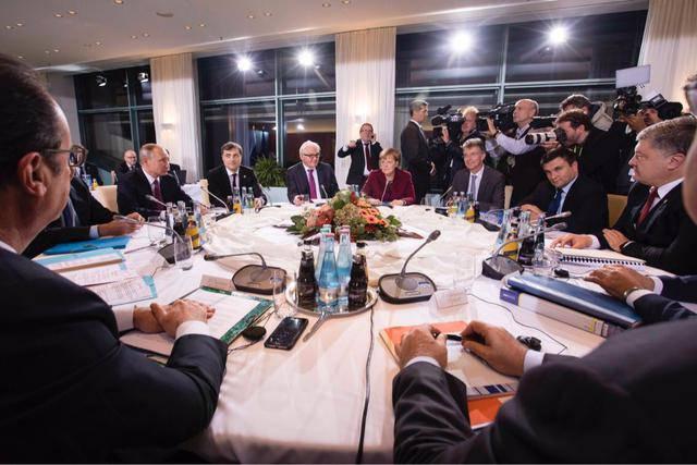 """Встреча лидеров """"нормандской четверки"""" началась в Берлине. ФОТО"""