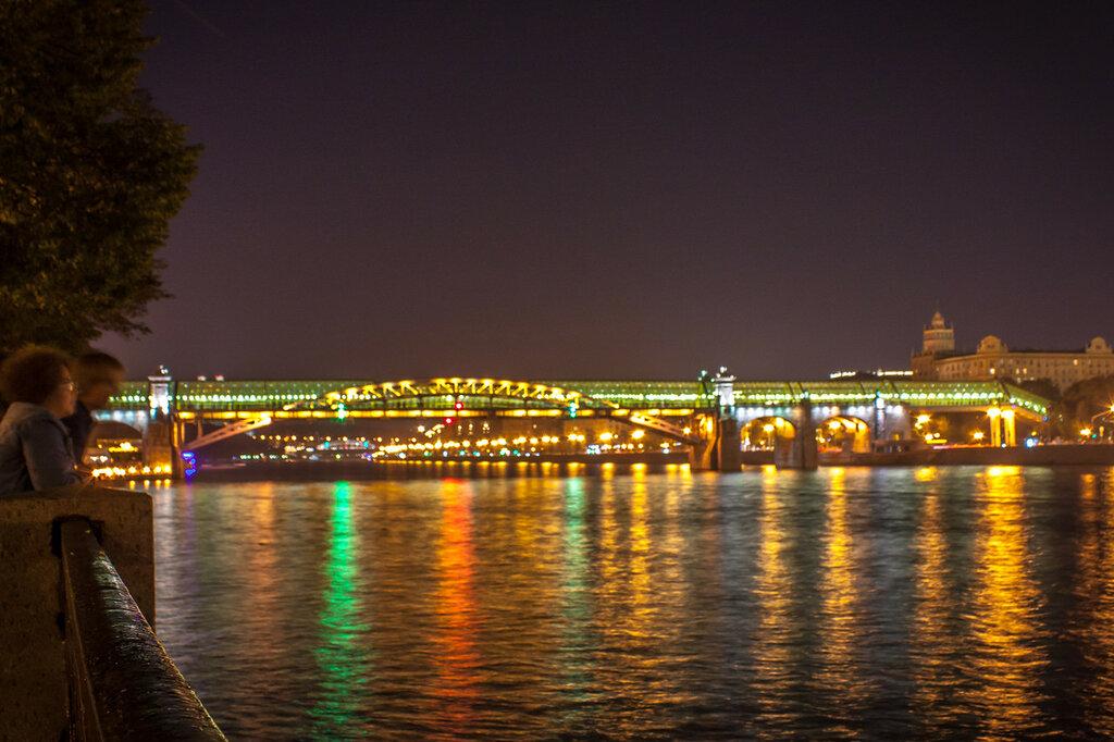 Пушкинский пешеходный мост