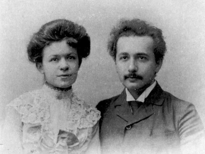 Теория издевательства: чего натерпелись жены Альберта Эйнштейна (9 фото)