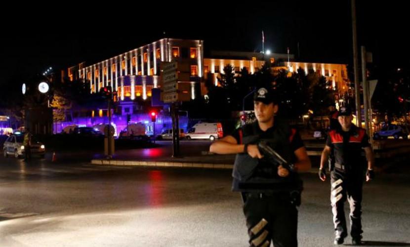Три высокопоставленных турецких офицера, захваченных взаложники впроцессе путча, освобождены