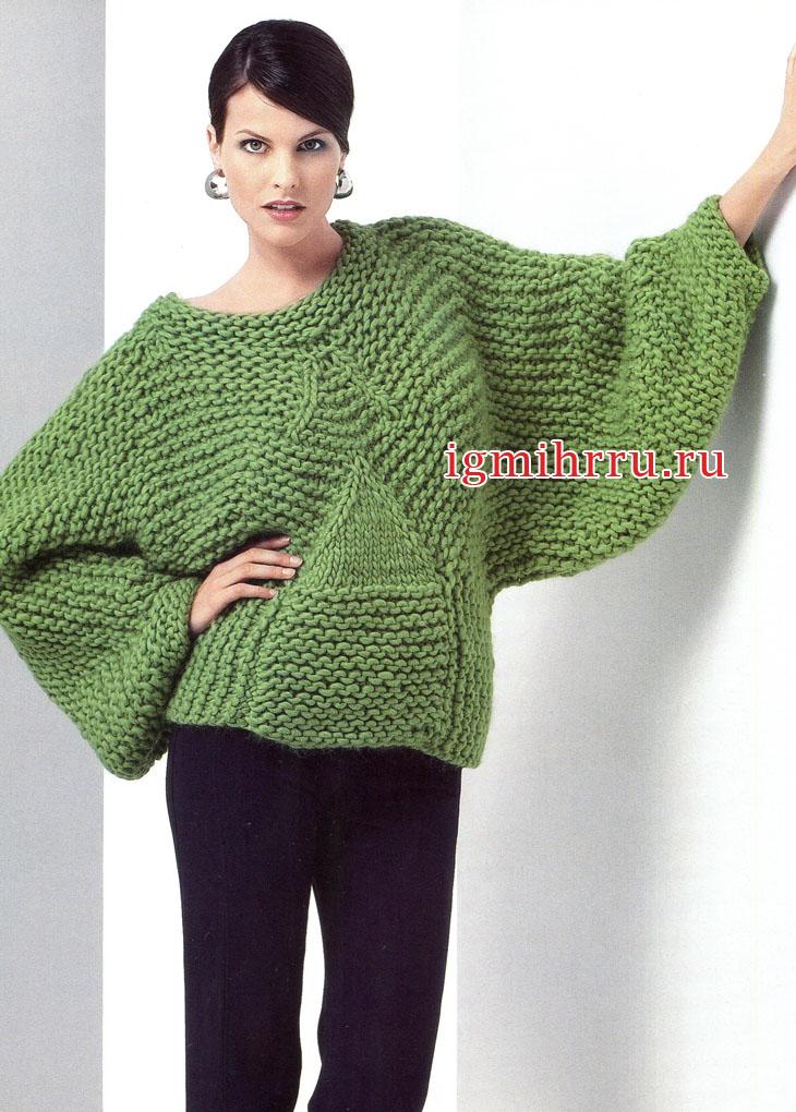 Объемный теплый пуловер зеленого цвета. Вязание спицами