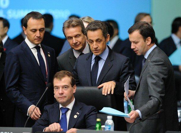 French President Nicolas Sarkozy (top C)