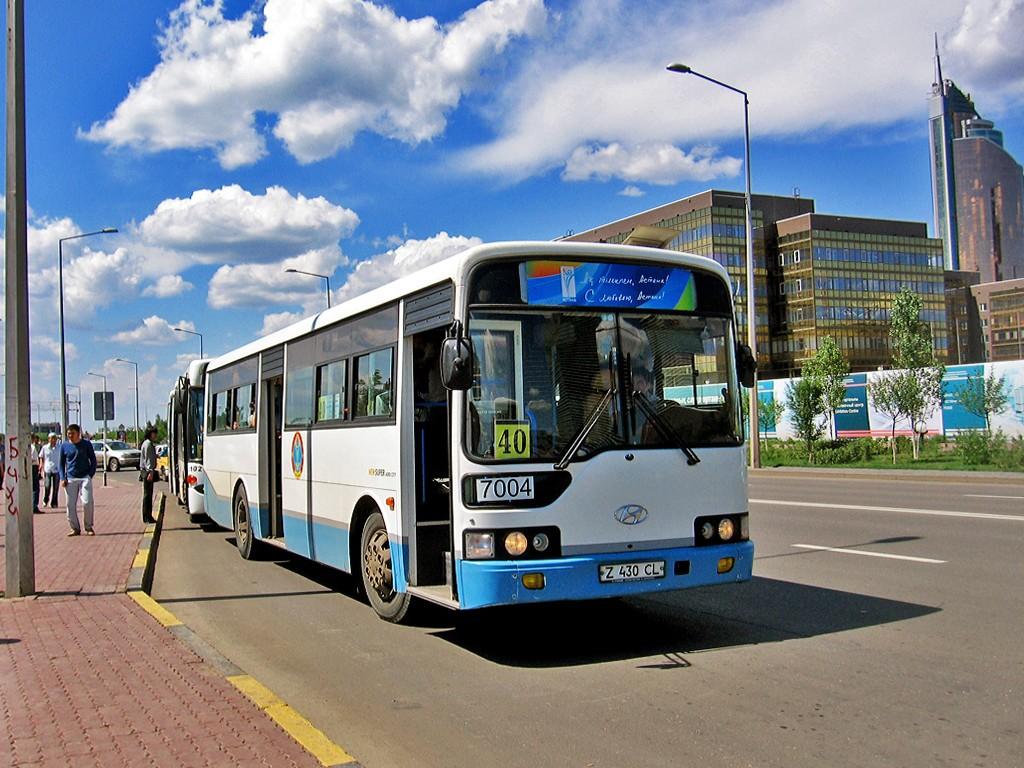 """В.  """"4 и 5 июля с 10:00 до 15:00 часов схемы движения автобусных... схемы движений маршрутов 27 и 43 будут продлены..."""