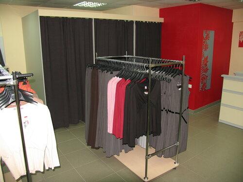 Интерьер магазина одежды беременных