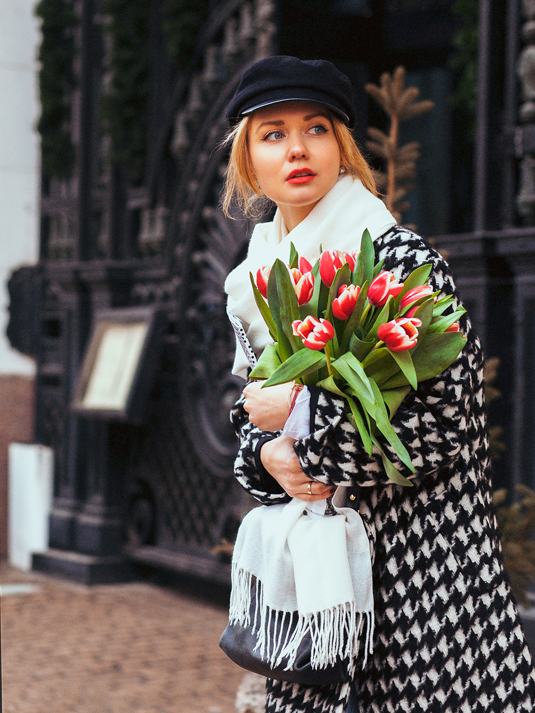 inspiration, pied-de-poule, гусиная лапка, houndstooth coat, streetstyle, spring outfit, winter streetstyle, moscow fashion week, annamidday, top fashion blogger, top russian fashion blogger, фэшн блогер, русский блогер, известный блогер, топовый блогер, russian bloger, top russian blogger, streetfashion, bobbi brown, lipstick, помады бобби браун, russian fashion blogger, blogger, fashion, style, fashionista, модный блогер, российский блогер, ТОП блогер, ootd, lookoftheday, look, популярный блогер, российский модный блогер, annamidday, russian girl, с чем носить пальто в гусиную лапку, французский стиль, girly, how to wear hat, pied-de-poule coat, красивая девушка, русская девушка, fashion week, MBFW, Moscow Fashion Week 2015, Mercedes-Benz Fashion Week