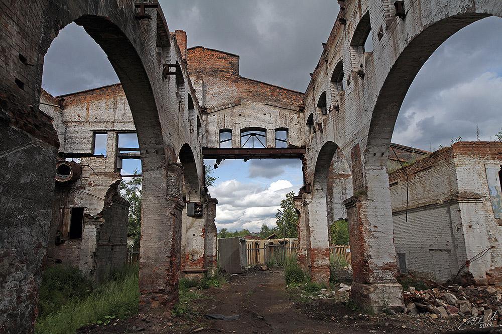 Starinnyj-staroutkinskij-zavod-17-foto