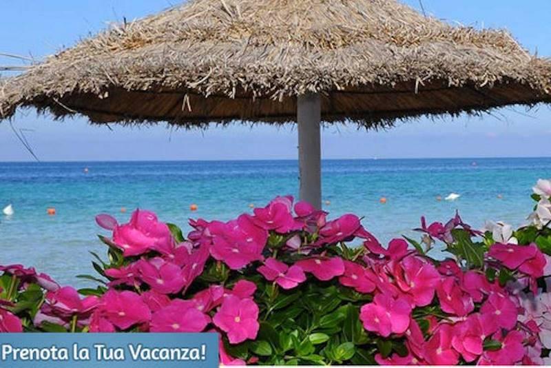 1. Мечта: отдых на частном пляже Delfino Beach Hotel на Сицилии, где совершенно нет никого лишнего.