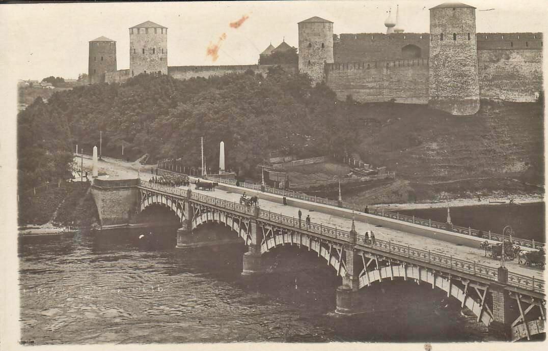 Вид на деревянный шоссейный мост