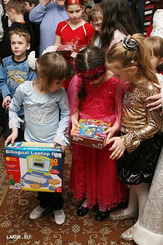 новый год подарки дети