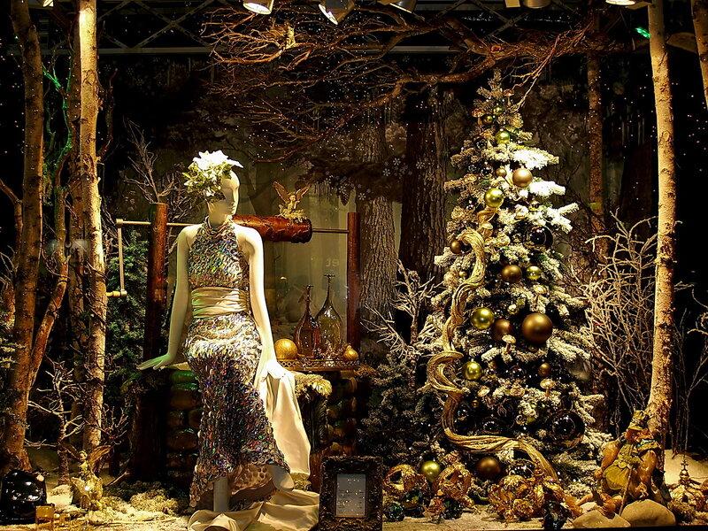 В Европе и США с приближением рождественских праздников витрины