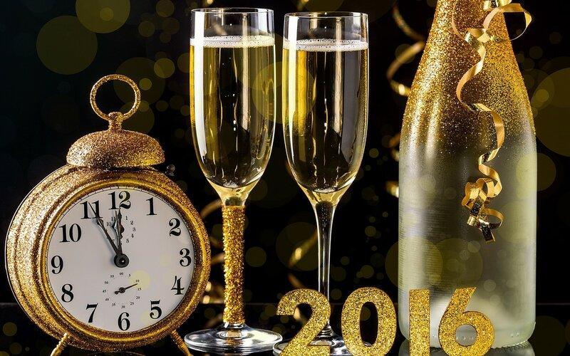 2016-happy-new-year-golden-622.jpg