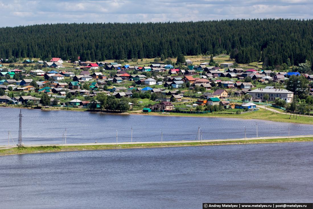плотина соединяющая центральную часть поселка и запрудку