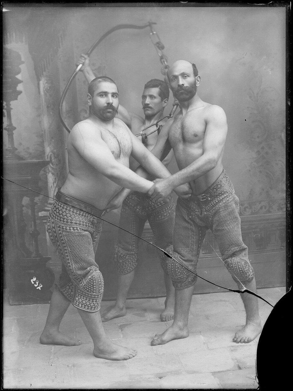 Три борца