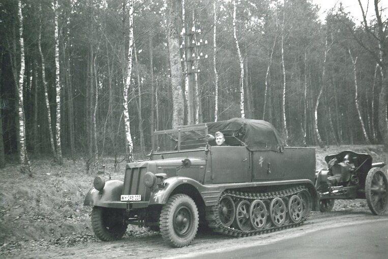 10,5 cm leFH 18 / Sd.Kfz. 11