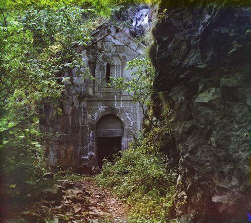 Кавказ. Дабский монастырь. Общий вид.
