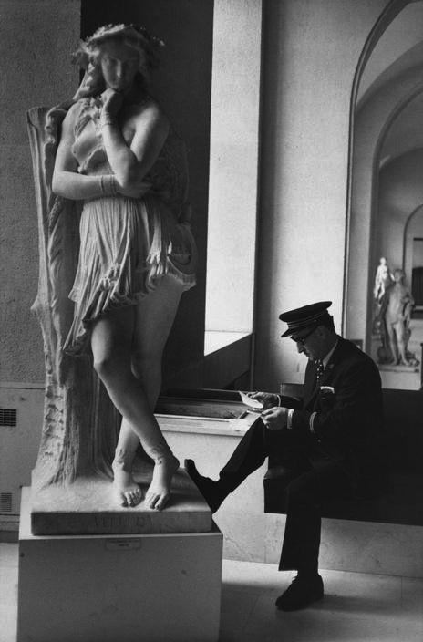 Louvre Paris 1975.jpg