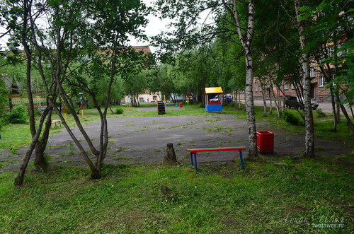 Фото города Инта №8025  Двор Воркутинской 16 02.07.2015_16:54